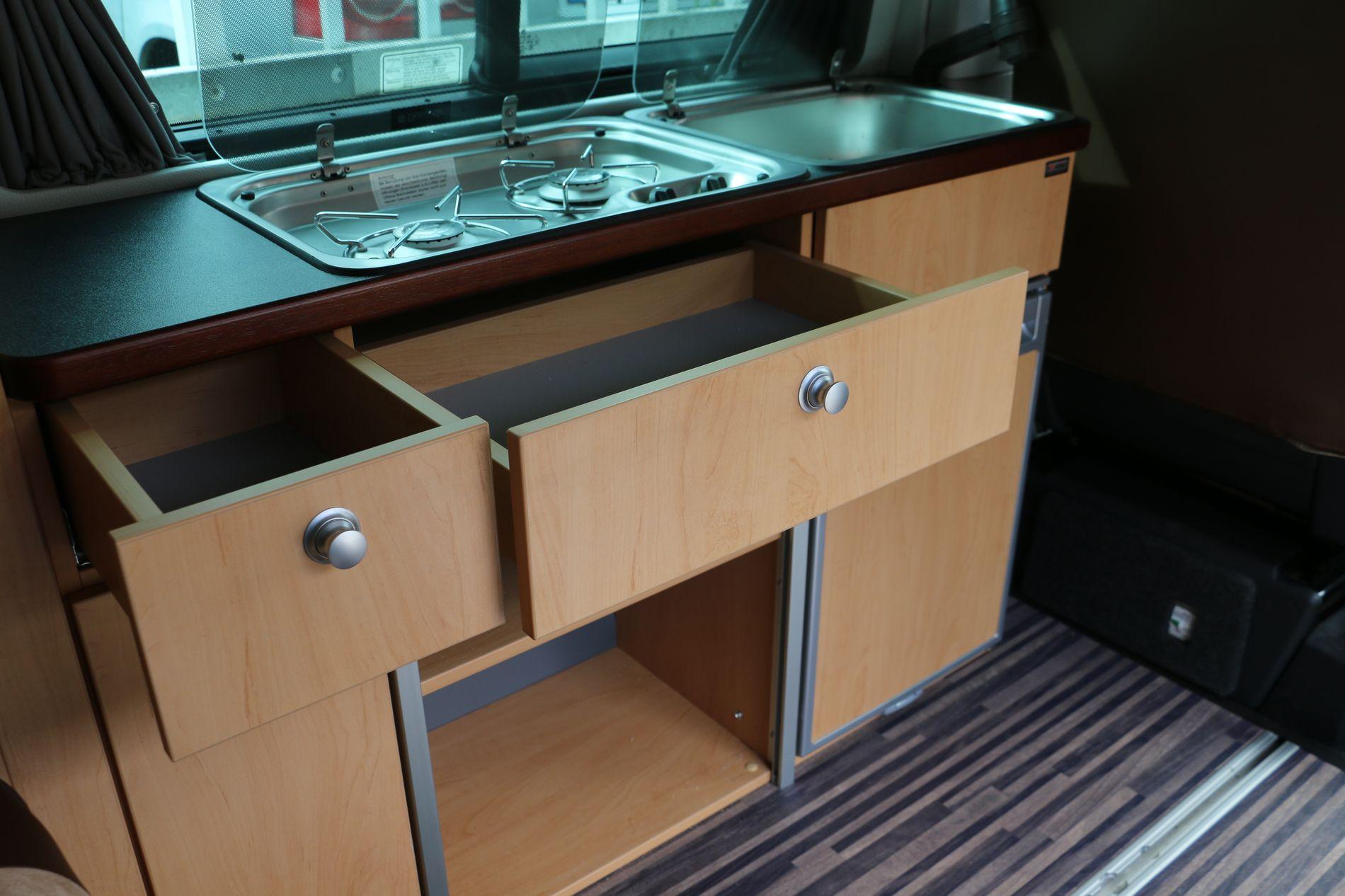 Vue du meuble de cuisine du Triostyle monté sur Transporter VW T6